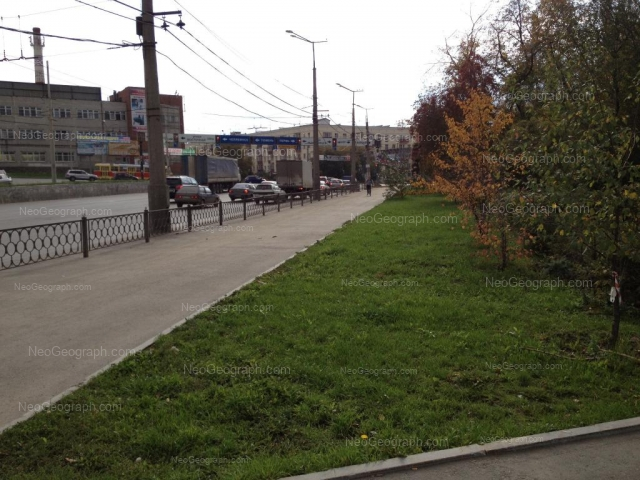 Адрес(а) на фотографии: улица Челюскинцев, 110, 112, Екатеринбург