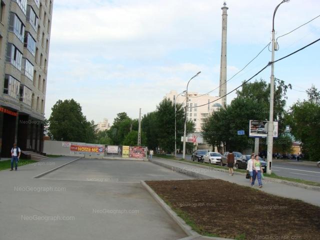 Адрес(а) на фотографии: улица Декабристов, 30, 32, Екатеринбург