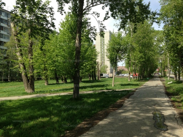 Адрес(а) на фотографии: Автомагистральная улица, 27, 33, Екатеринбург
