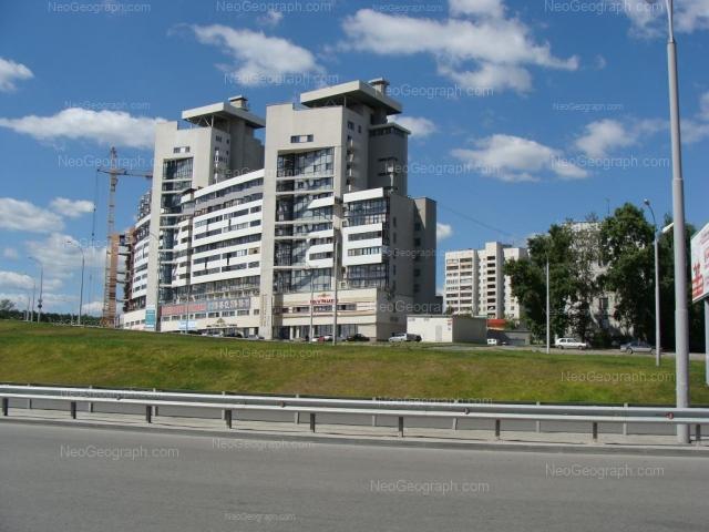 Адрес(а) на фотографии: улица Токарей, 60 к1, 66, 68, Екатеринбург