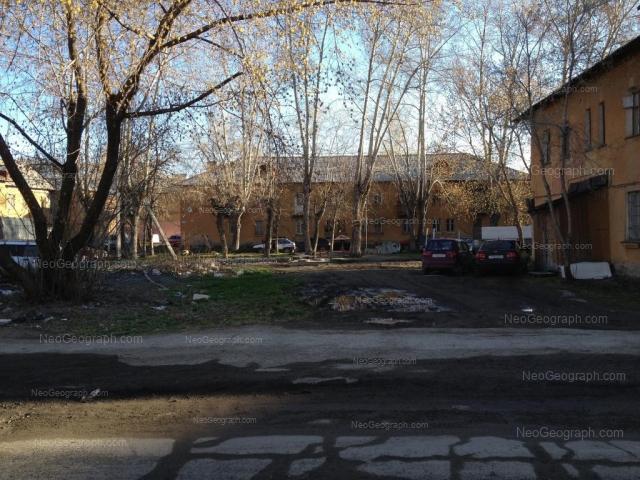 Адрес(а) на фотографии: Ирбитская улица, 4, 4Б, 6А, Екатеринбург