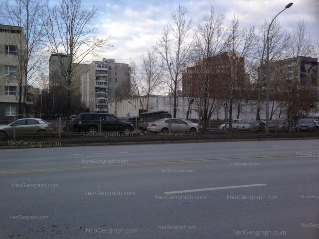 Адрес(а) на фотографии: улица Большакова, 17, Екатеринбург