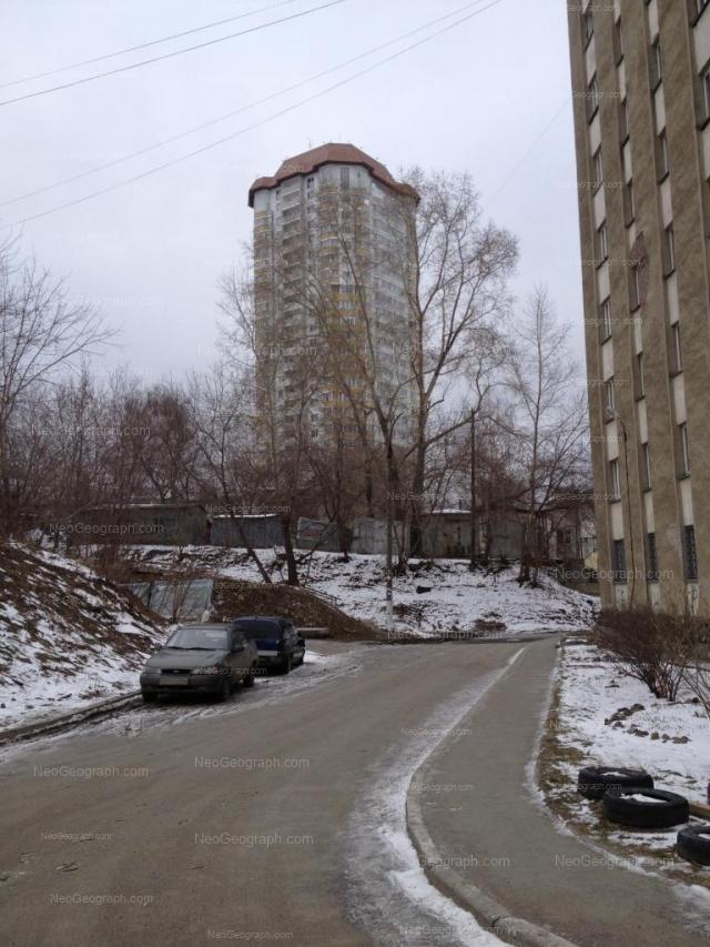 Address(es) on photo: Mashinistov street, 3, 4А, Yekaterinburg