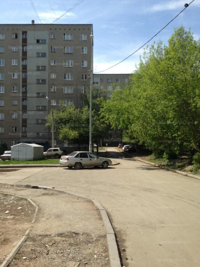 Адрес(а) на фотографии: улица Пехотинцев, 17, 19, Екатеринбург