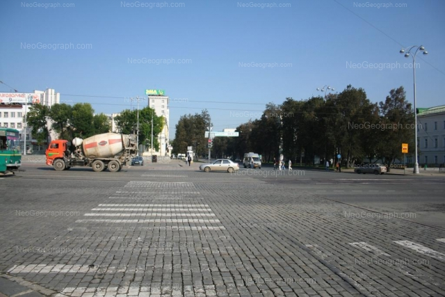 Адрес(а) на фотографии: проспект Ленина, 29, 31, 33, Екатеринбург