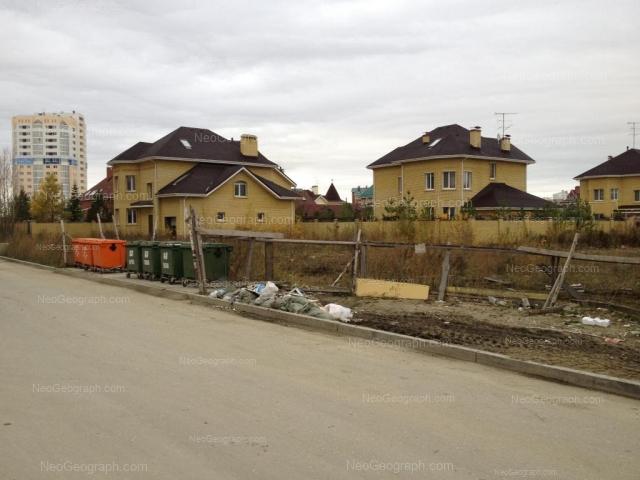 Адрес(а) на фотографии: Кольцевая улица, 46, 48, 50, Екатеринбург