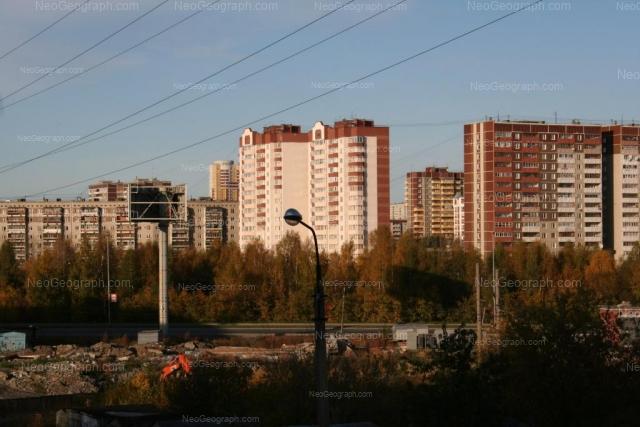 Адрес(а) на фотографии: улица Новгородцевой, 17Б, 19/1, 19/2, Екатеринбург