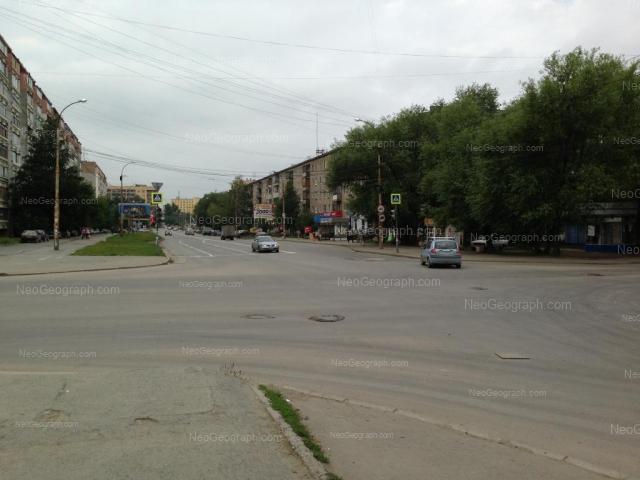 Адрес(а) на фотографии: улица Фрезеровщиков, 27, 28, Екатеринбург
