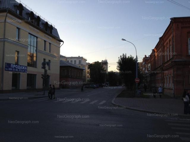 Адрес(а) на фотографии: улица Сакко и Ванцетти, 36, 37, 40, Екатеринбург