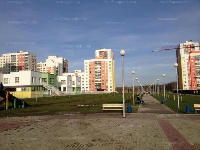 Адрес(а) на фотографии: улица Краснолесья, 107, 113, 115, Екатеринбург