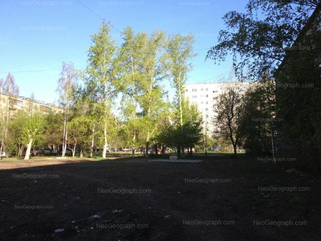 Адрес(а) на фотографии: улица Академика Бардина, 40/1, 40/2, Екатеринбург
