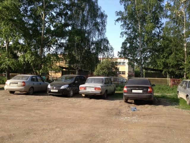 Адрес(а) на фотографии: улица Академика Бардина, 25а, Екатеринбург
