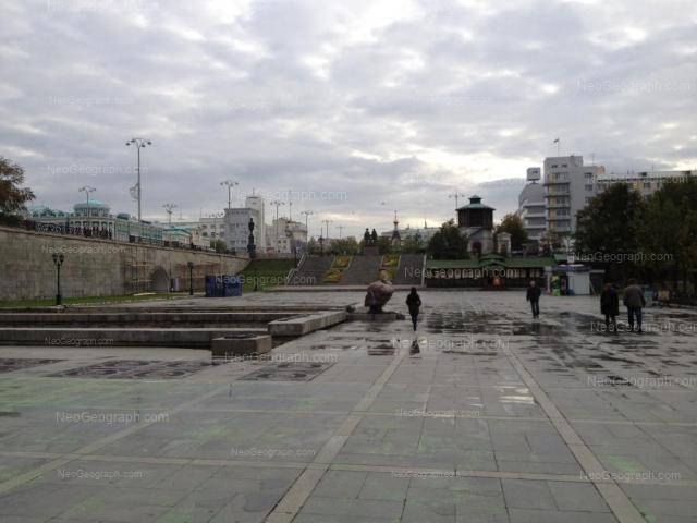 Адрес(а) на фотографии: проспект Ленина, 32, 35, Екатеринбург