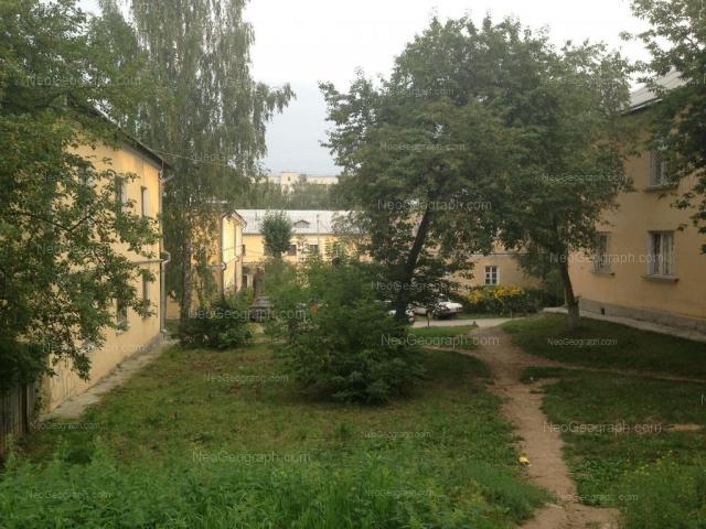 Address(es) on photo: Entusiastov street, 30Б, 32, 32Б, 34Б, Yekaterinburg