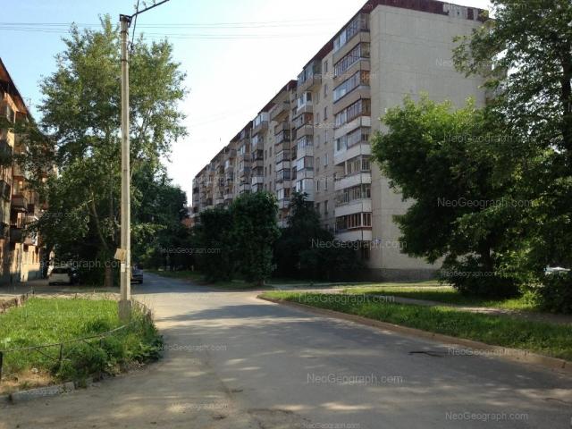 Адрес(а) на фотографии: улица Красных Борцов, 6, 11, Екатеринбург