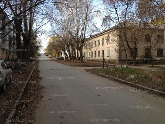 Адрес(а) на фотографии: улица Зои Космодемьянской, 45, 47, 48, Екатеринбург