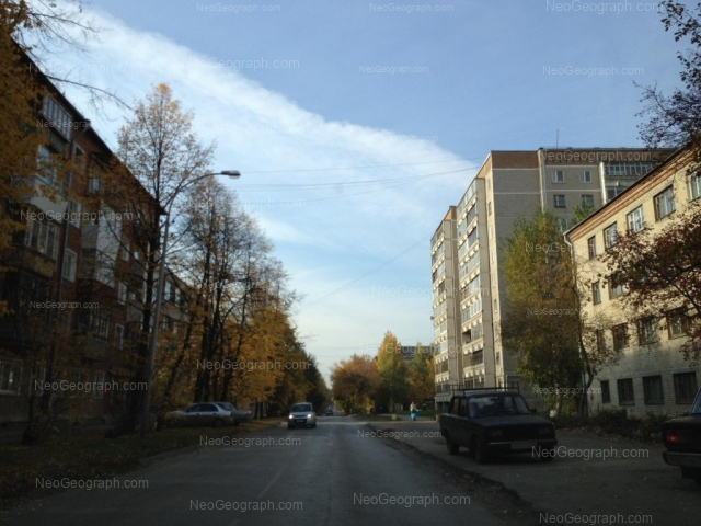 Адрес(а) на фотографии: улица Индустрии, 53, 55, 56а, Екатеринбург