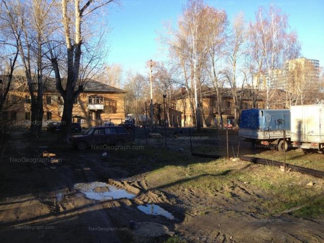 Адрес(а) на фотографии: Ирбитская улица, 8, 10, Екатеринбург
