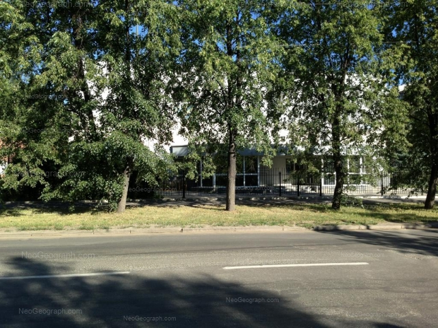 Адрес(а) на фотографии: улица 40-летия Октября, 15А, Екатеринбург