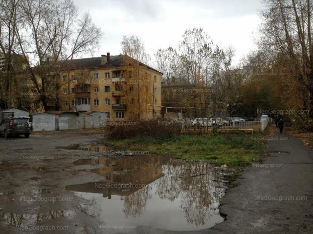 Адрес(а) на фотографии: Переходный переулок, 4, 6, 8а, Екатеринбург
