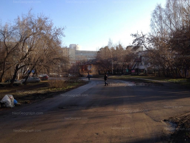 Адрес(а) на фотографии: Ленинградская улица, 38, 40, Екатеринбург