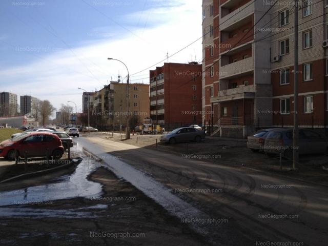 Адрес(а) на фотографии: улица Пехотинцев, 2/1, 2/3, Екатеринбург