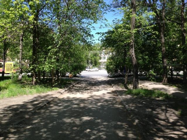 Адрес(а) на фотографии: улица Машиностроителей, 24, 26, 28, Екатеринбург