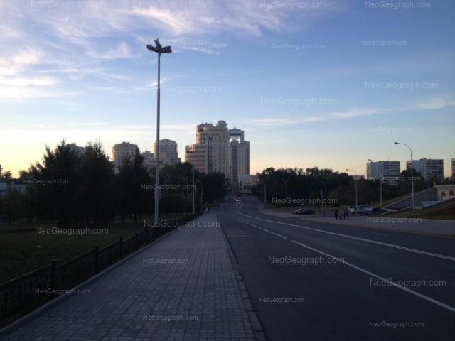 Адрес(а) на фотографии: улица Николая Никонова, 4, 8, 10, Екатеринбург
