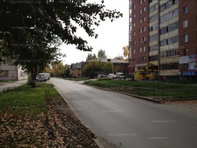 Адрес(а) на фотографии: улица Циолковского, 67, 76, 76А, Екатеринбург
