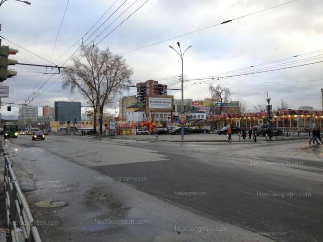 Адрес(а) на фотографии: улица 8 Марта, 145, 158, Екатеринбург
