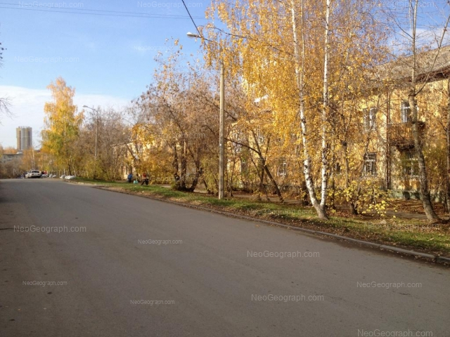 Адрес(а) на фотографии: улица Черняховского, 35, 37, Екатеринбург
