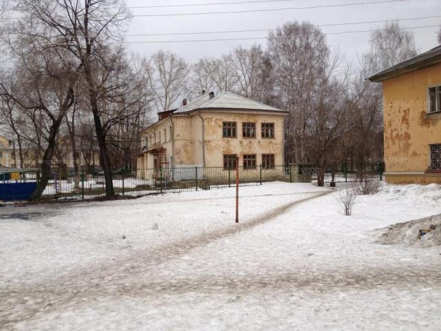Address(es) on photo: Entusiastov street, 19, 21, Yekaterinburg