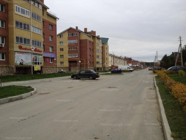 Адрес(а) на фотографии: улица Барвинка, 18, 18а, 20, 22, Екатеринбург