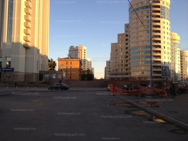 Адрес(а) на фотографии: улица Лермонтова, 15, Екатеринбург