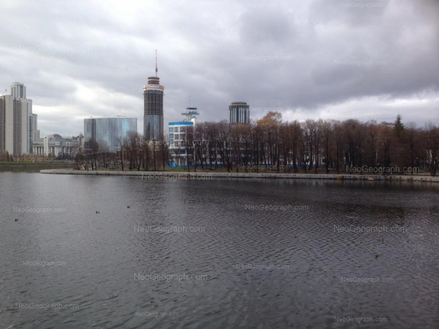 Адрес(а) на фотографии: улица Ерёмина, 12, Екатеринбург