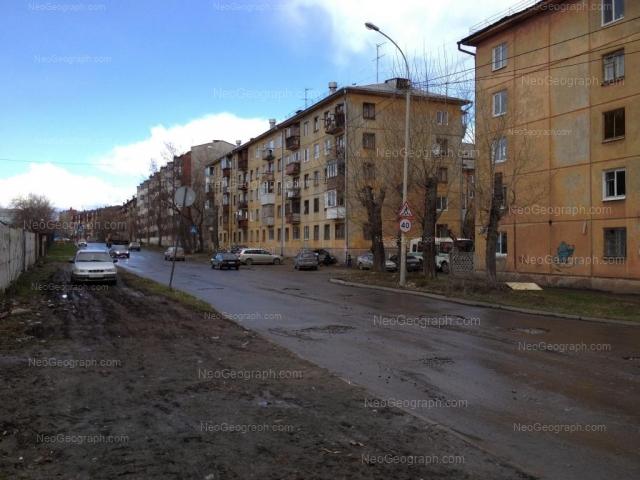Адрес(а) на фотографии: улица Миномётчиков, 34, 36, 40, Екатеринбург