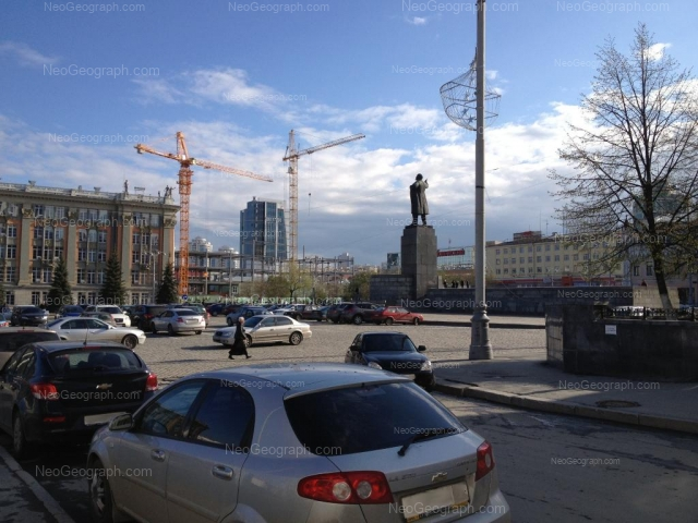 Адрес(а) на фотографии: проспект Ленина, 24/8, 24А, Екатеринбург