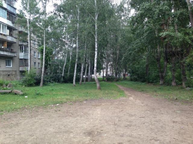 Адрес(а) на фотографии: улица Лобкова, 50, Екатеринбург