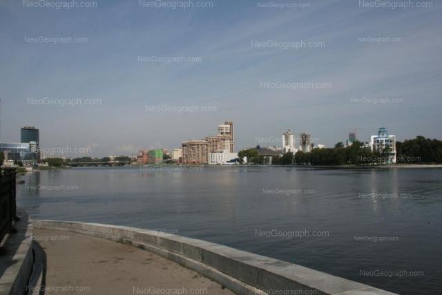 Адрес(а) на фотографии: улица Ерёмина, 10, 12, Екатеринбург
