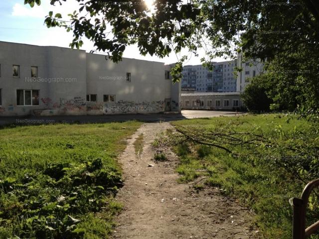 Адрес(а) на фотографии: улица Академика Бардина, 21а, 21б, 23, Екатеринбург