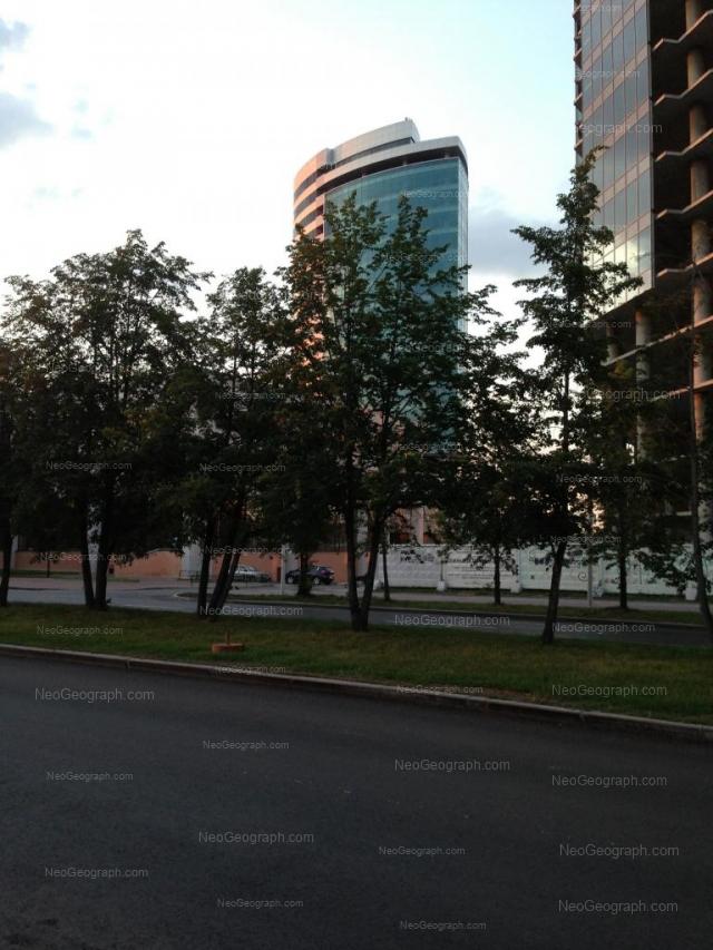Адрес(а) на фотографии: улица Бориса Ельцина, 1а, Екатеринбург