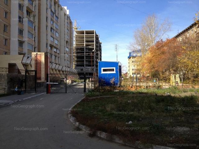 Адрес(а) на фотографии: улица Патриотов, 6 к1, 6 к2, 8, Екатеринбург