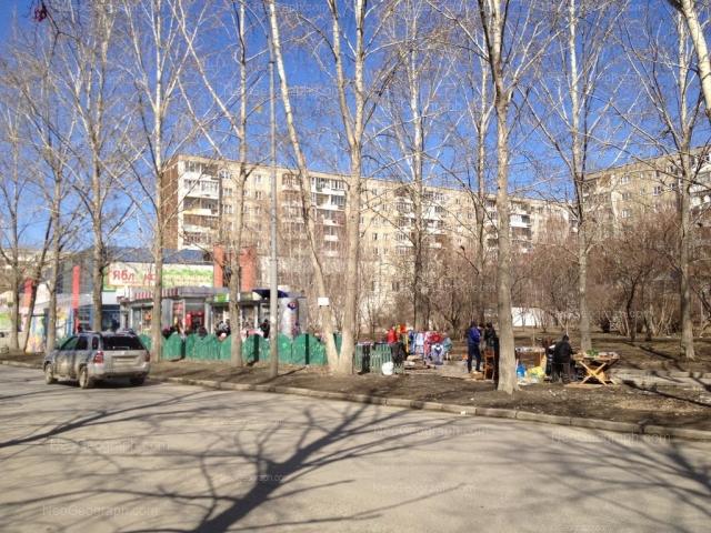 Адрес(а) на фотографии: улица Пехотинцев, 9, 11, Екатеринбург