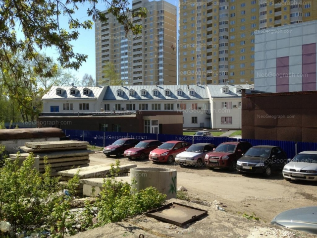 Адрес(а) на фотографии: Кишинёвская улица, 33, 35А, 35а/1, Екатеринбург
