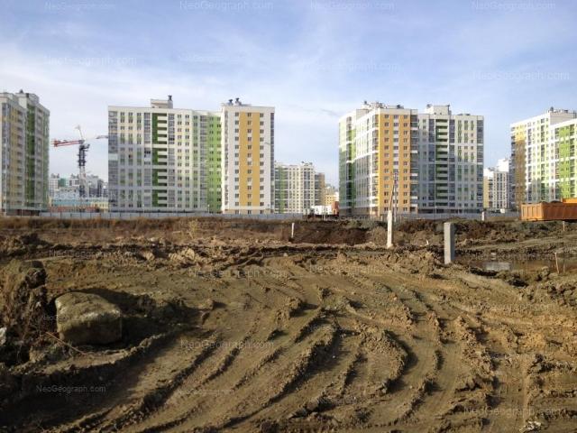 Адрес(а) на фотографии: улица Павла Шаманова, 10, 12, Екатеринбург