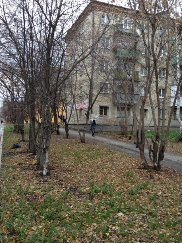 Адрес(а) на фотографии: улица Отто Шмидта, 70, 72, Екатеринбург