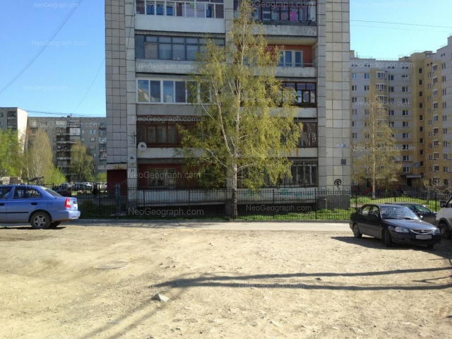 Адрес(а) на фотографии: Ангарская улица, 52/2, 52а, 54б, Екатеринбург