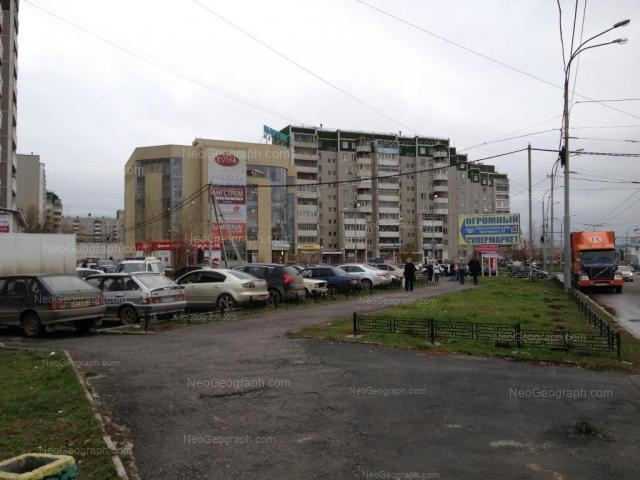Адрес(а) на фотографии: улица Крестинского, 63, 63А, Екатеринбург