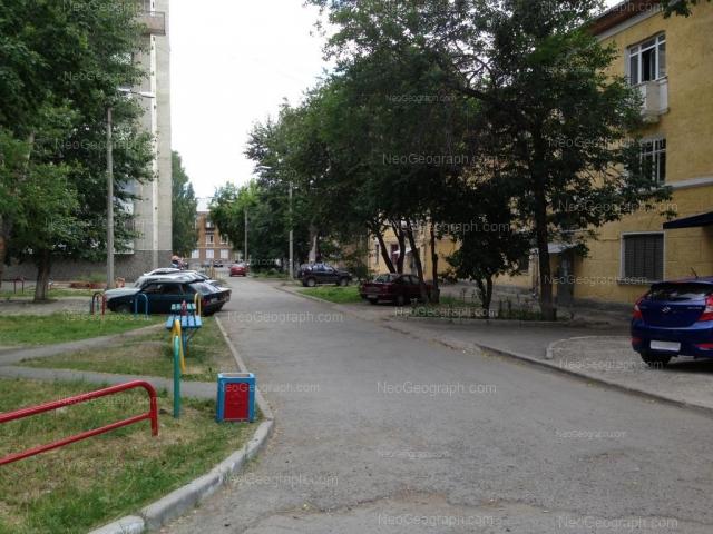 Адрес(а) на фотографии: улица Индустрии, 37, 39, 41, Екатеринбург