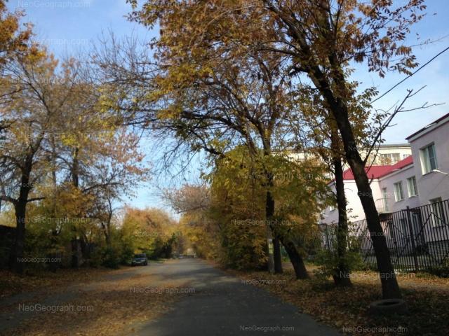 Адрес(а) на фотографии: улица Хмелёва, 8, 10, Екатеринбург